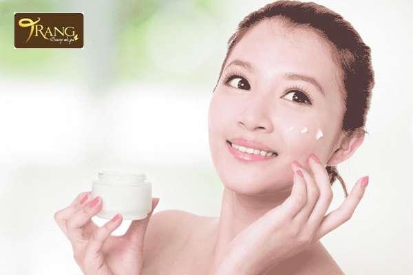 Các sản phẩm trị mụn cho da hỗn hợp