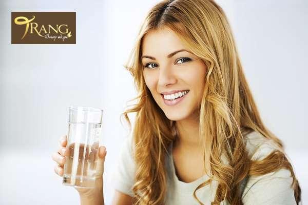 Uống bao nhiêu nước mỗi ngày để đẹp da